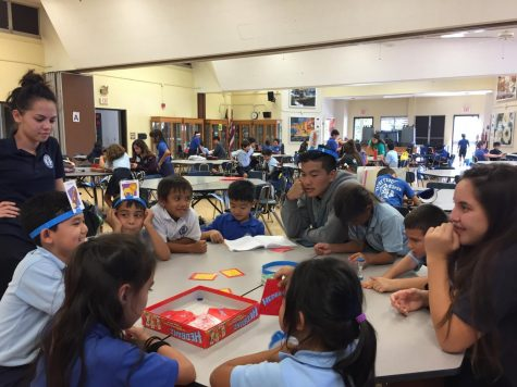 Class of 2018 Hosts Senior Lūʻau Fundraiser