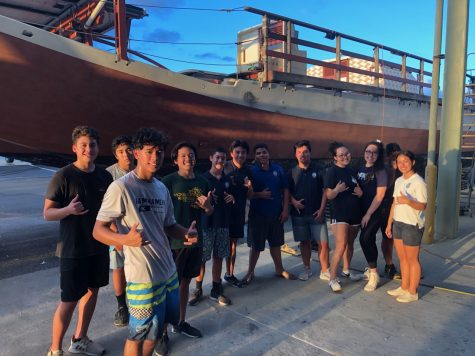 Kamehameha Men's Canoe Paddling Team Gives Back to Polynesian Voyaging Society