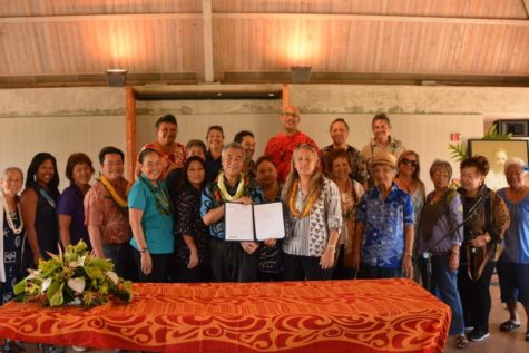A step towards the future: Governor David Ige signs the House Bill 451 in 2017. Picture credit: OHA
